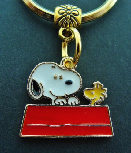 Charlie Brown/'s Beagle Dog Happy 4th of July SNOOPY the DOG Jewelry KEYCHAIN